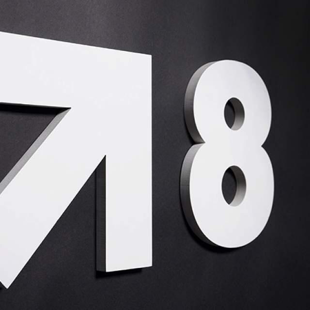 Signalétique intérieure Lettre logo 3D relief